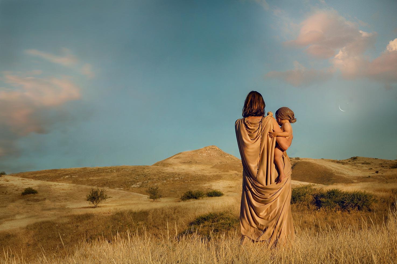 """הגר וישמעאל, וַיִּשְׁמַע אֱלֹהִים, אֶת-קוֹל הַנַּעַר, וַיִּקְרָא מַלְאַךְ אֱלֹהִים אֶל-הָגָר מִן-הַשָּׁמַיִם, וַיֹּאמֶר לָהּ מַה-לָּךְ הָגָר; אַל-תִּירְאִי, כִּי-שָׁמַע אֱלֹהִים אֶל-קוֹל הַנַּעַר בַּאֲשֶׁר הוּא-שָׁם. """" בראשית כא:יז"""