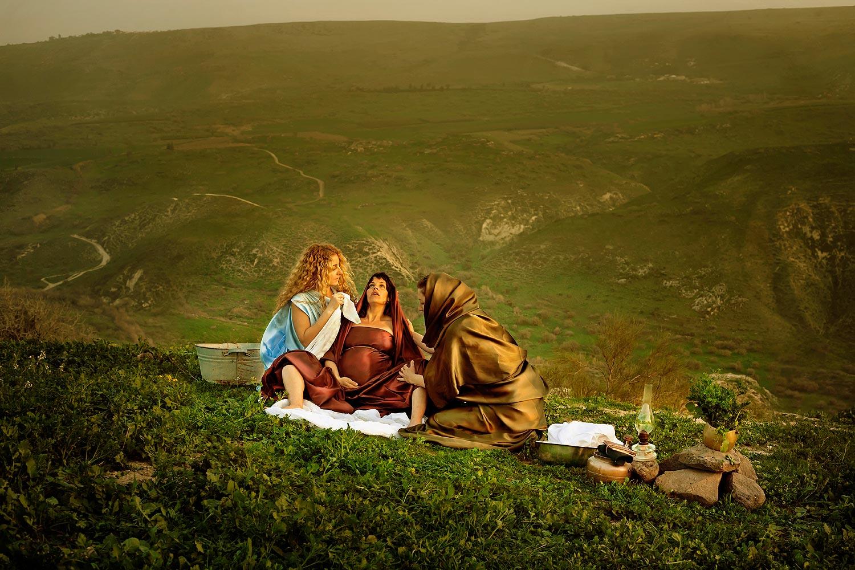 """המיילדות במצריים, """"וְלֹא עָשׂוּ, כַּאֲשֶׁר דִּבֶּר אֲלֵיהֶן מֶלֶךְ מִצְרָיִם; וַתְּחַיֶּיןָ, אֶת-הַיְלָדִים."""" שמות א' יז"""