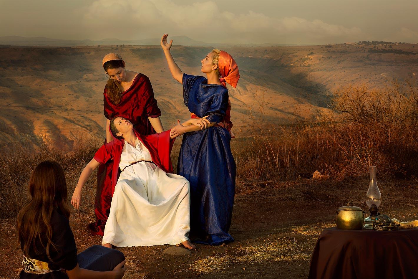 אשת פנחס כלת עלי הכהן ״וְכַלָּתוֹ אֵשֶׁת-פִּינְחָס, הָרָה לָלַת, וַתִּשְׁמַע אֶת-הַשְּׁמוּעָה אֶל-הִלָּקַח אֲרוֹן הָאֱלֹהִים, וּמֵת חָמִיהָ וְאִישָׁהּ; וַתִּכְרַע וַתֵּלֶד, כִּי-נֶהֶפְכוּ עָלֶיהָ צִרֶיהָ: וּכְעֵת מוּתָהּ, וַתְּדַבֵּרְנָה הַנִּצָּבוֹת עָלֶיהָ, אַל-תִּירְאִי, כִּי בֵן יָלָדְתְּ״ שמואל א ד יט-כ